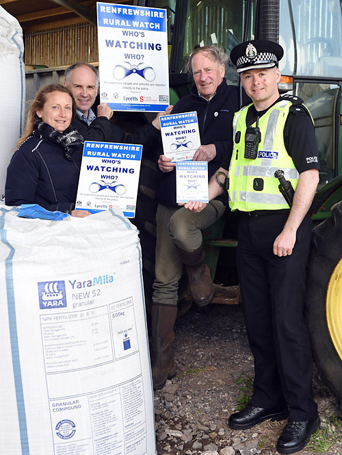 Renfrewshire Rural Watch - Chief Inspector Wright with RRW members. photo © Ian Watson